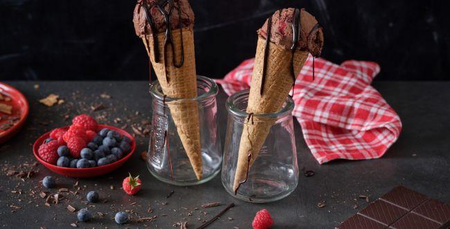 מתכון מפנק לגלידת שוקולד ביתית עם טוויסט