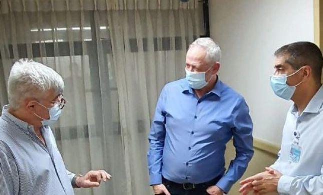 אחרי שבוע באשפוז: גנץ שוחרר מבית החולים