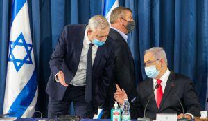 חדשות, חדשות פוליטי מדיני, מבזקים על סף פירוק: גנץ בוחן העברת חוק לפסילת נתניהו
