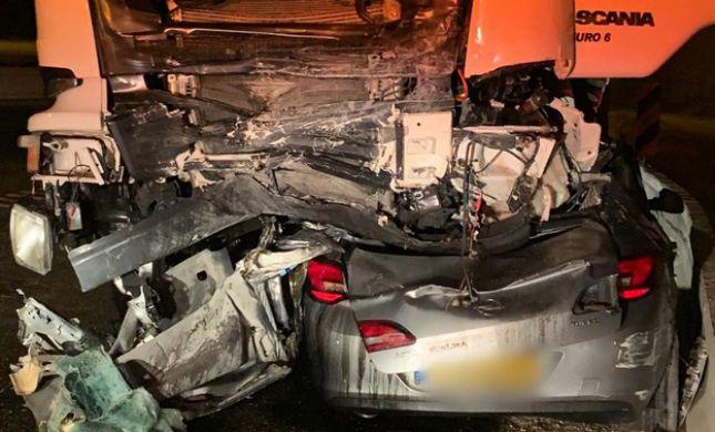 אדם נמחץ מתחת למשאית ומת; הרוג נוסף בכביש 90