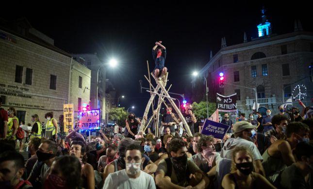 """עתירה לבג""""ץ: האם הפגנות ההמונים יחזרו למרות החוק?"""