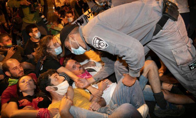 """בין הפיצוץ בלבנון להפגנות בבלפור - זקוקים לט""""ו באב"""