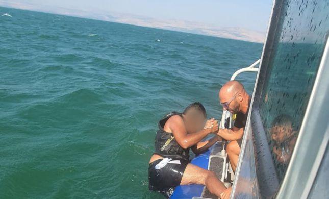 צפו: חילוץ ילדים שנסחפו ללב הכנרת עם סירה