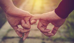 """זוגיות, סרוגות ט""""ו באב: עשר עצות מעשיות לדו שיח זוגי"""