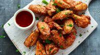 אוכל, מתכונים בשריים לעוף על זה: הסוד לכנפיים עסיסיות שהילדים אוהבים