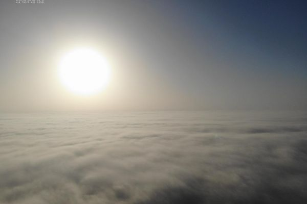מרהיב: זריחה הבוקר מעל עננות נמוכה באשדוד