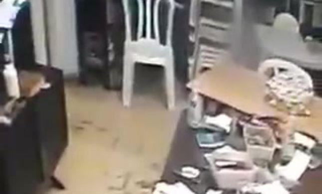 בני ברק: שוד בבית חלפן הכספים; אשתו גוננה עליו