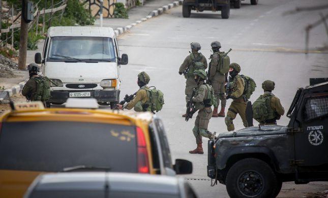 """ניסיון פיגוע באריאל: לוחמי צה""""ל ירו במחבל ועצרו אותו"""