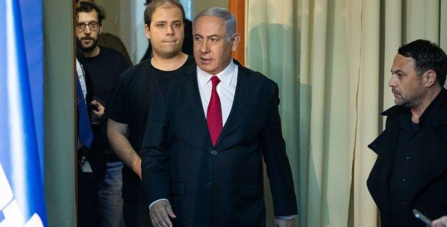 יועץ ראש הממשלה תועד כשהוא מפר בידוד