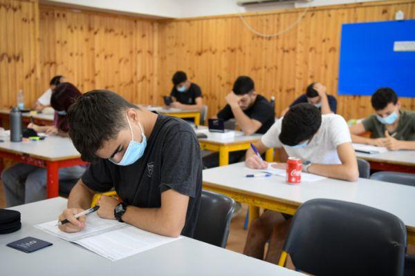 גלנט קבע: גם בסגר- בחינות הבגרות יתקיימו במועדן