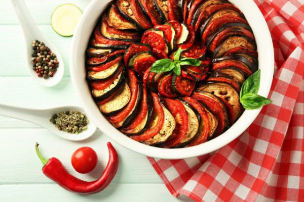 סורגים חג: 5 מתכונים קלים לארוחות מתחת לסוכה