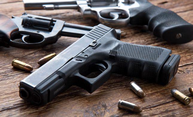 21 נאשמים: פרשת סחר בנשק חמורה