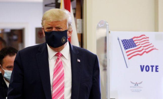 """טראמפ הצביע בבחירות לנשיאות: """"כבוד גדול"""" • צפו"""