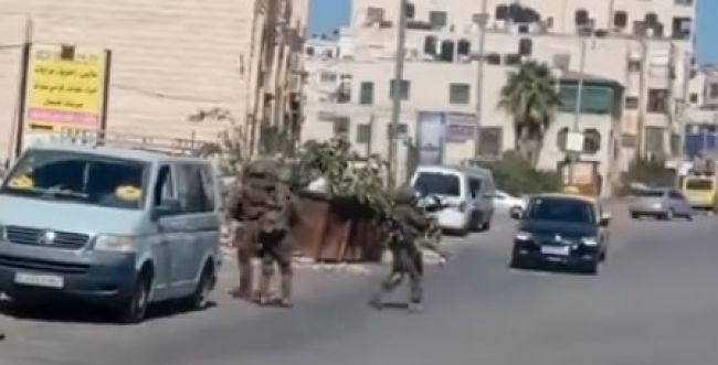 """שוטרים פלסטינים נעצרו, צה""""ל החרים את נשקם"""