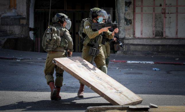 עינב: מחבלים השליכו בקבוקי תבערה על חיילים