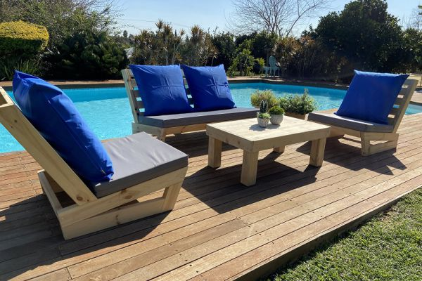 איך לשדרג את הגינה שלכם עם פינת ישיבה של פסים