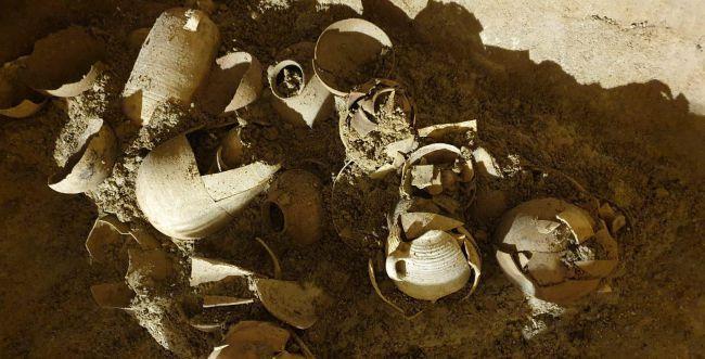 אוצר ארכיאולוגי: קנקנים מבית שני נמצאו בבית אל