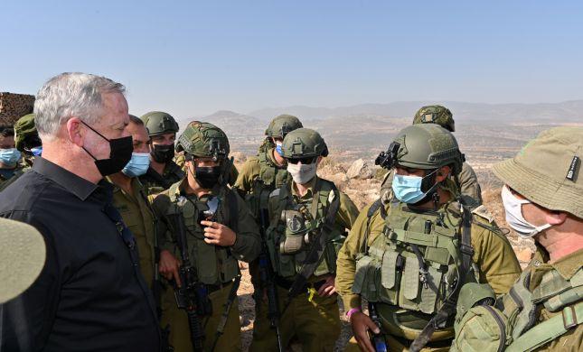 """גנץ: """"אני שומע בלבנון קולות שמדברים על שלום"""""""