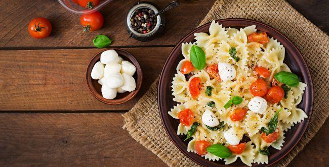 טעים ומהיר: מתכון לסלט פסטה שהוא ארוחה שלמה