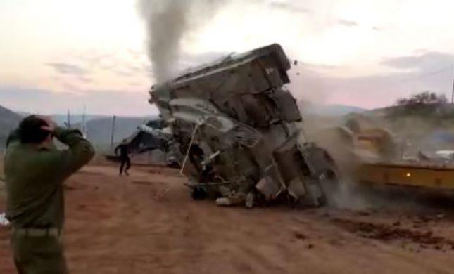 תיעוד מטורף: טנק התהפך באימון בבקעה. צפו