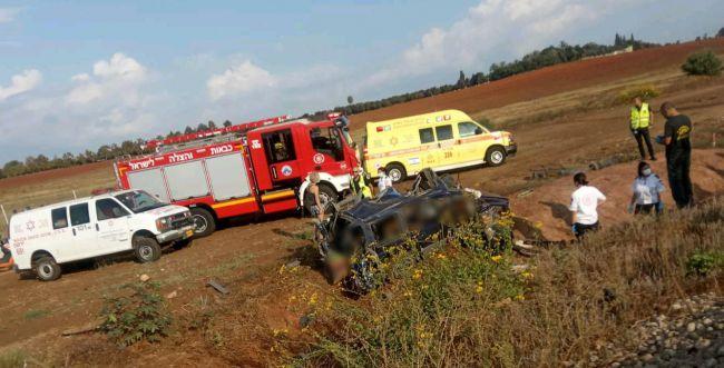 רכבת פגעה ברכב שפרץ למסילה; אדם אחד נהרג