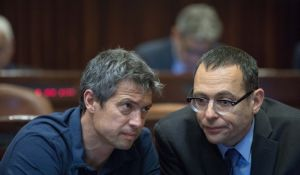 חדשות, חדשות פוליטי מדיני, מבזקים יועז הנדל מתחרט: החתימה עם נתניהו הייתה תקלה