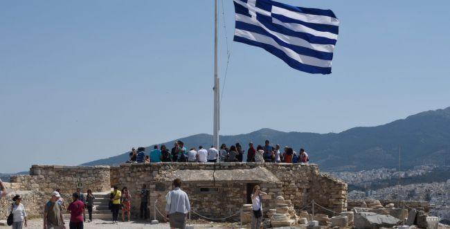 נגמרה החגיגה: יוון תצטרף לרשימת המדינות האדומות