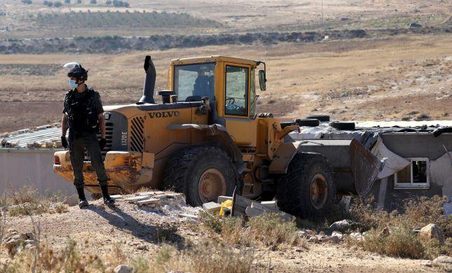 מנדלבליט: הקלות באכיפת עבירות בנייה של ערבים