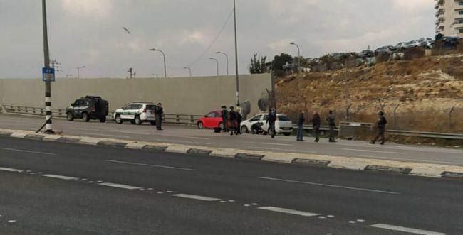 פיגוע דריסה במחסום א-זעיים; המחבל נורה למוות