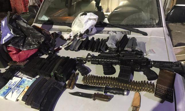 צפו: המשטרה איתרה נשק וכסף במזרח ירושלים