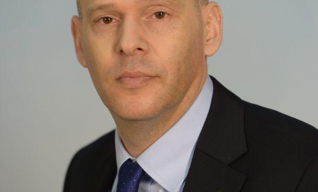 על הראש של נתניהו: גנץ האריך  לאיסמן את התפקיד