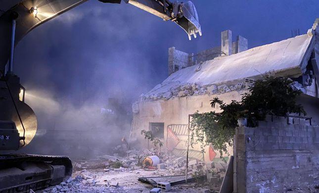 """צה""""ל הרס את בית המחבל שרצח את הרב שי אוחיון"""