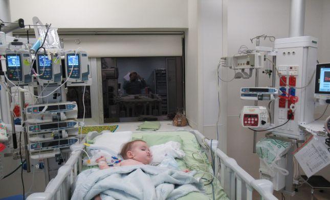 """תקדים: תינוקת בת שנה אושפזה בבית החולים שע""""צ עם שבץ מוחי"""