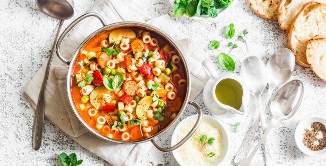 ארוחה שלמה בסיר אחד: מתכון למרק מינסטרונה