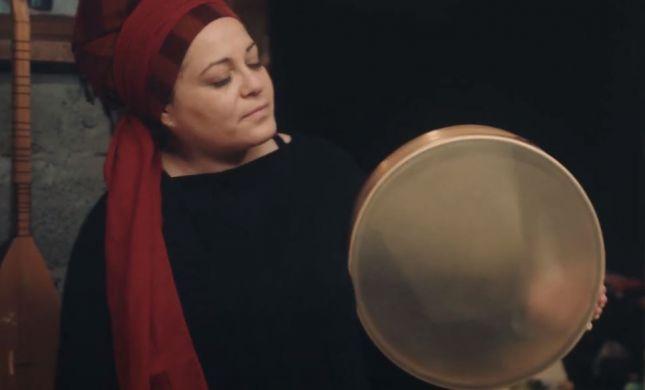 בהשראת שיר השירים: דין דין אביב חוזרת בשיר מרגש