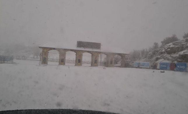 הסערה בעיצומה: שלג כבד בחרמון; מפלס הכנרת מזנק