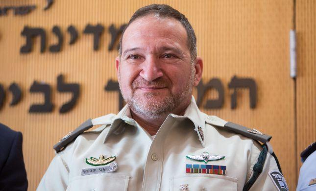 """""""מפכ""""ל המשטרה נכנע לחמאס ומקפל את הדגל"""""""