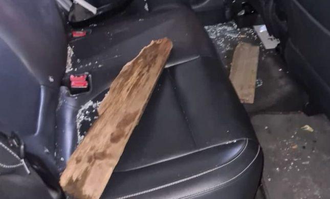 בני ברק: חרדים תקפו רכב משטרתי ופצעו שוטרת