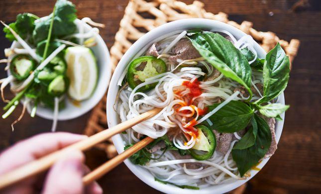 היישר מוייטנאם: מתכון למרק נודלס פיקנטי