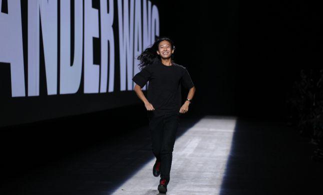 מעצב האופנה אלכסנדר וואנג מואשם בהטרדות מיניות
