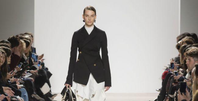 מותג ניו יורקי מציג פנים חדשות ואופנה איכותית