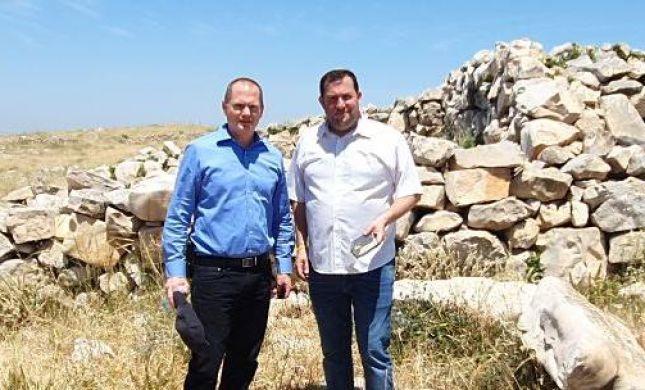 """צפו: הרש""""פ פגעה במזבח יהושע בן נון בהר עיבל"""