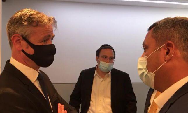 צפו: מה קרה כשאלון דוידי פגש את השגריר השוויצרי?