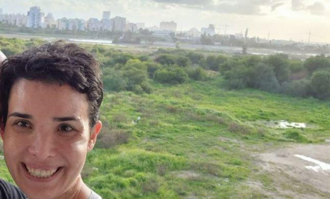 שירה איסקוב צעדה על מסלול שבוע האופנה קורנית תל אביב