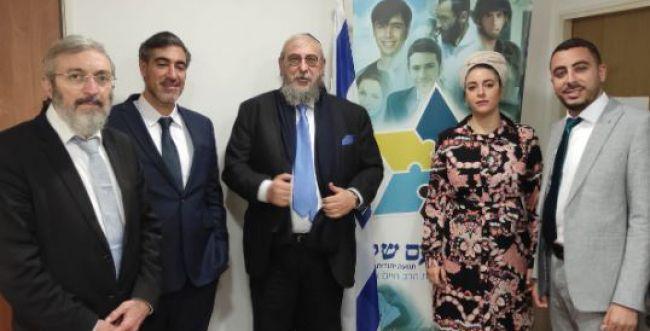 הרב אמסלם רץ עצמאית: אלה חברי מפלגת 'עם שלם'