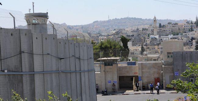פסק: בקבר רחל יש לנהוג פורים כמו בירושלים