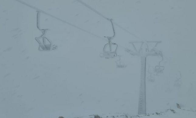שלג מעל למטר בחרמון: מתי יפתח האתר לציבור?