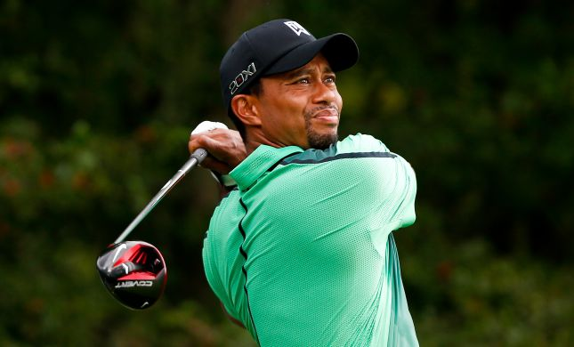 שחקן הגולף טייגר וודס נפצע קשות בתאונת דרכים