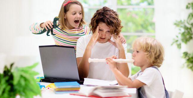 אמא שורדת: טיפים לשפיות עם הילדים בימי קורונה
