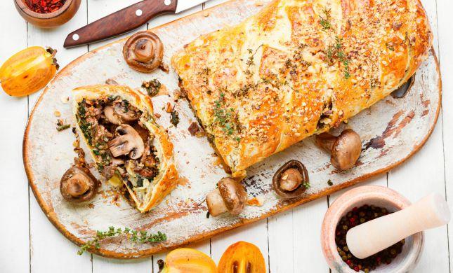 סורגים שבת: מתכון קל ומהיר לרול בשר ופטריות